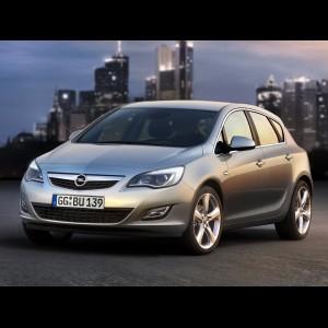 Opel Astra J 2010 - 2018. Хетчбек, седан